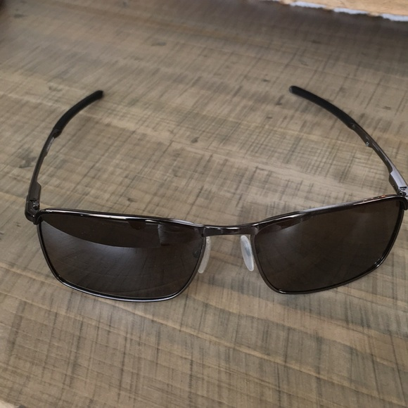 Oakley Conductor 6 polarized sunglasses. M 5b3bb382a5d7c630af9415a3 36235beb8828